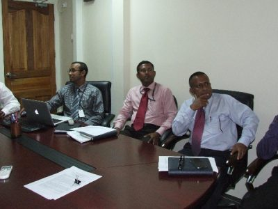 Minister Dr. Mohamed Muizzu meeting with senior officials of STELCO regarding power cuts in Male'